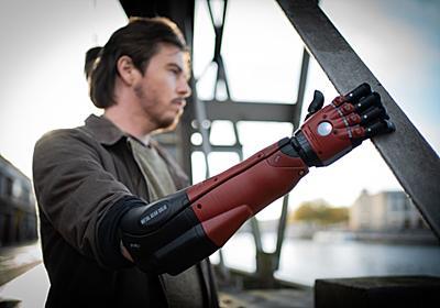 超かっこいい『メタルギアソリッドV』ヴェノムスネークの「義手」が現実に登場。筋肉の電気信号を受けて実際に稼働、コナミとコラボし発売へ