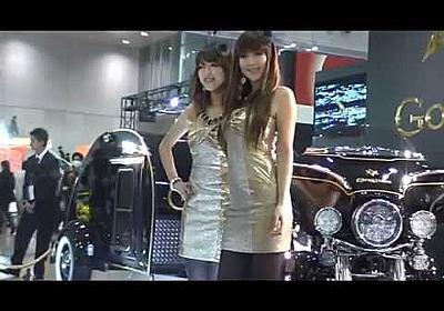 東京オートサロン2013 究極のローアングルに美人コンパニオン困惑!!
