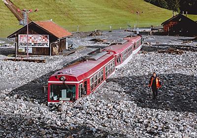 土砂に埋もれた列車 オーストリア西部で洪水被害 写真11枚 国際ニュース:AFPBB News