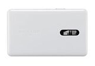 UQ、厚さ8.2mmのNEC AT製WiMAX 2+モバイルルーター - PC Watch