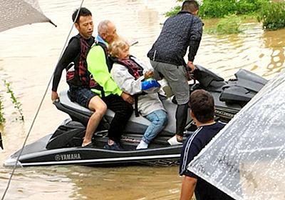 水上バイクで来たヒーロー 15時間かけ120人救う:朝日新聞デジタル