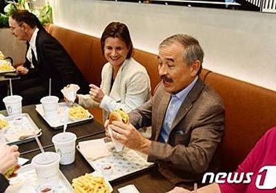 痛いニュース(ノ∀`) : ハリス駐韓米大使、外交イベントを欠席して新オープンのハンバーガー店で舌鼓 「韓国よりハンバーガーが大事か」と韓国国民激おこ - ライブドアブログ