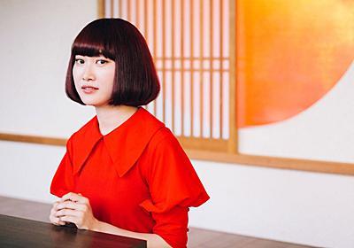 服が溢れた今の時代に、新しくブランドを立ち上げた理由――「LEBECCA boutique」ディレクター・赤澤えるさん - はたらく女性の深呼吸マガジン「りっすん」