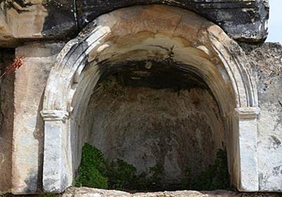 CNN.co.jp : 古代ローマの「地獄の門」、動物が死ぬ謎を解明