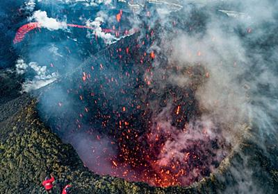 カムチャツカの火山噴火に「命知らず」な見物客 ロシア極東 写真5枚 国際ニュース:AFPBB News