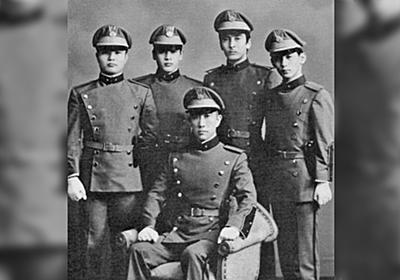 「三島由紀夫と話合わなさそう」楯の会とかつての自衛官の温度差が一発で分かる2枚の写真