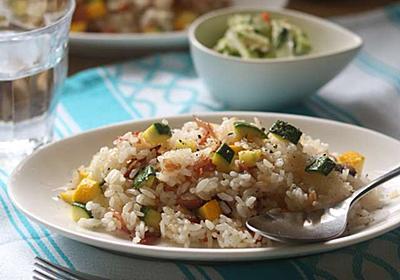 ズッキーニとベーコンのメチャ旨ガーリック炒飯のレシピ - 今日、なに食べよう?〜有機野菜の畑から~