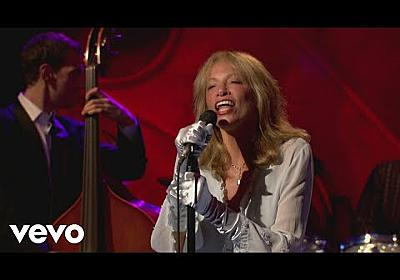 Carly Simon - The More I See You (Live On The Queen Mary 2) - YouTube