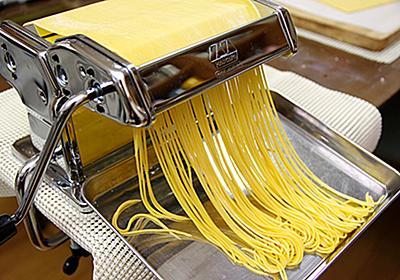みんな「パスタマシン」を買うべきだ!うどんもパスタもラーメンも、手作りすると圧倒的に美味しくて楽しい - ぐるなび みんなのごはん