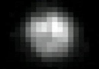【画像】冥王星の昔の写真と最近撮られた写真の差がすごいww:哲学ニュースnwk
