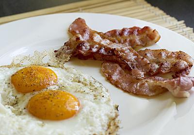 朝食用カリカリベーコンを作るコツ | ライフハッカー[日本版]