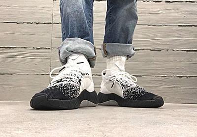 靴下系スニーカー「TUBULAR」の新作は個性派モノトーン | &GP