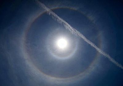 太陽周囲に光の輪 珍しい「9度ハロ」現象、所沢で撮影:朝日新聞デジタル
