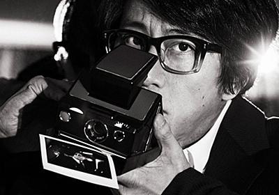 岡村靖幸「納得のスーツとセッション」(前編)|メンズファッションニュース|GQ JAPAN