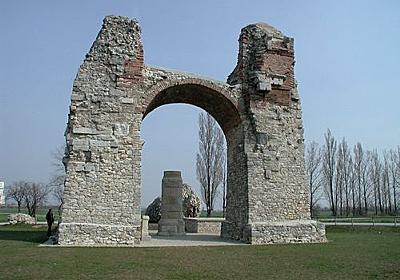 「元の姿がよくわかる…」ローマ帝国の遺跡ハイデントーア(異教徒の門)に設置されたアイデアが秀逸(2015年1月4日) - エキサイトニュース - Linkis.com