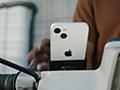 アップルが「スクーターに取り付けたiPhone 13」動画を公開、最近バイクの振動に晒さないよう警告してたのに…… - Engadget 日本版