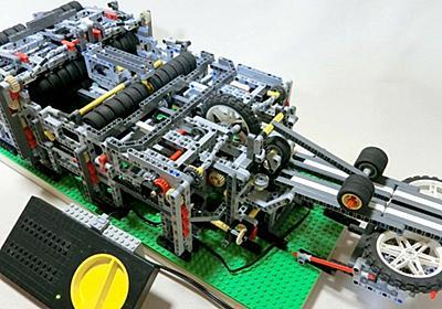 レゴを使って全自動で飛行機を折って飛ばせる装置を作った猛者が登場、実際に動作するムービーが公開中 - GIGAZINE