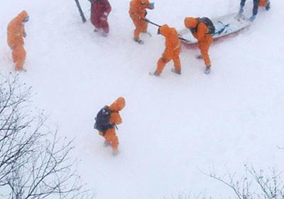 那須雪崩:危険な斜面でなぜ 発信機あれば…救助隊員   毎日新聞