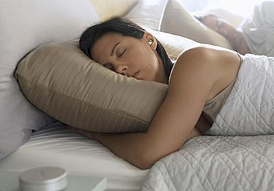 ボーズ、眠る時につけるイヤホン「BOSE NOISE-MASKING SLEEPBUDS」日本でも発売へ - CNET Japan