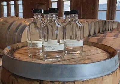 米 ウイスキーメーカーが消毒液を製造 無料で配布 | NHKニュース