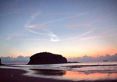 まるでオーロラのような神秘的な『夜光雲』が鹿児島など九州地方で観測!『こうのとり』7号のロケット打ち上げによる排煙の中の水蒸気が高層で凝結して発生したか!? - 天気のあれこ