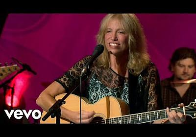 Carly Simon - You're So Vain (Live On The Queen Mary 2) - YouTube