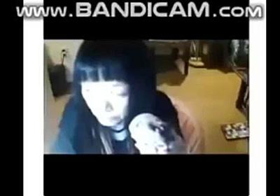 女性YouTuber おにぎりを一口で食べ死亡 救急医「ストップ早食い!」 - Togetter