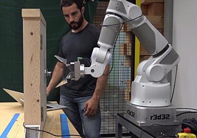 グーグルがAIで挑む次の一歩は「新たなスキルを相互学習するロボット」 - CNET Japan
