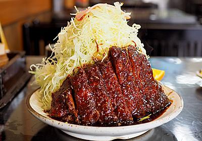 圧巻のキャベツマウンテン。尾頭橋の老舗食堂『葉栗屋』の名物味噌カツに挑む! | 名古屋情報通