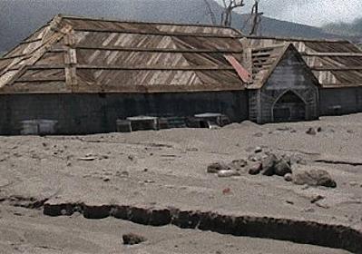 突然の火山噴火によりゴーストタウンとなったカリブの島「モントセラト」の首府プリマス : カラパイア