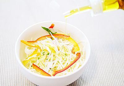 サラダをオリーブオイルで食べるとオシャレ :: デイリーポータルZ