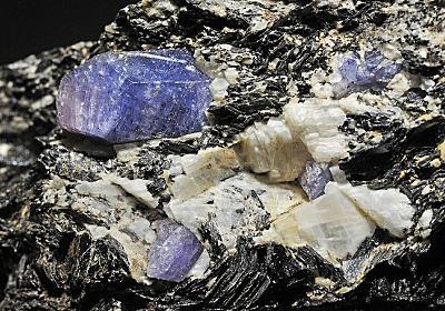 これまで宇宙でしか発見されたことのない、ダイヤモンドより硬い宝石が発見される(イスラエル) : カラパイア
