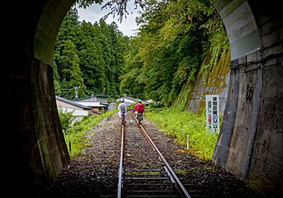 君は自転車でレールの上を走ったことがあるか。 : 超音速備忘録