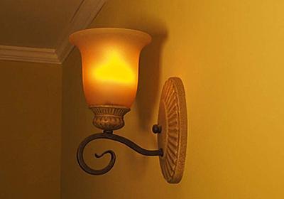 ビートソニック、炎の1/fゆらぎを再現した「LED 炎セラピー電球」 - 家電 Watch