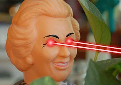 眼球からレーザーを放つコンタクトの開発に研究者らが成功 - GIGAZINE