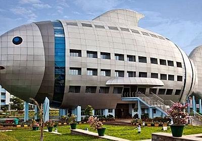 インドの国家漁業開発庁の建物がサカナすぎる 「かわいすぎ」「偽写真かと思ったら本物だった」と驚きの声 - ねとらぼ