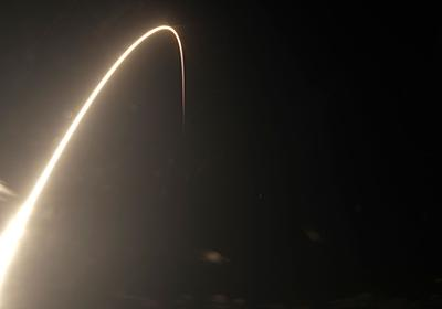 MIT Tech Review: 「明るすぎる」スペースXの人工衛星群、天文学者から批判