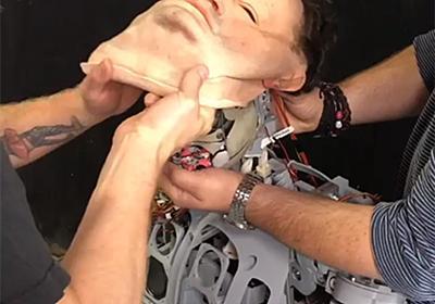 不気味の谷への挑戦再び。最新型のロボットに顔をつけたところヤバイ感じに... : カラパイア