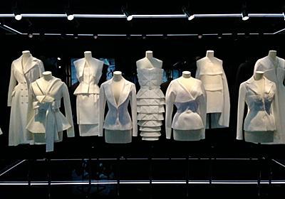 「即位礼正殿の儀」のドレスコード