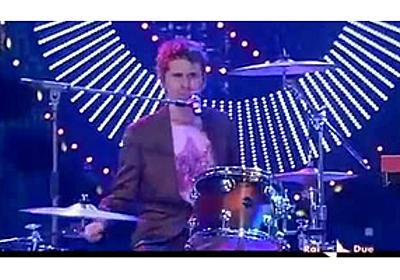 「TV番組で口パク/あてぶりを強要されたバンドが披露した、それをちゃかすパフォーマンス 5選」 - amass