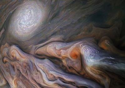木星探査機ジュノーが撮った写真が最高の1枚だった | ギズモード・ジャパン
