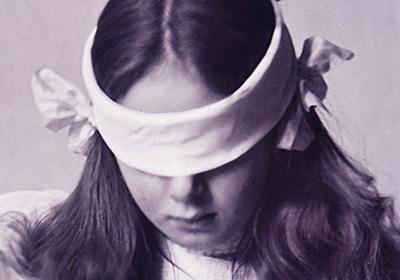 元マジシャンの錯覚心理学者が解説する「霊媒師と奇術と心理学の歴史」