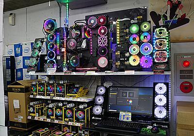 光り物パーツが多すぎて、ツクモの展示PCがよくわからない事になっていた話 (取材中に見つけた○○なもの) - AKIBA PC Hotline!