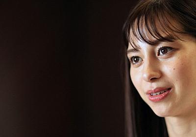 ともに・共生社会めざして:「バリアフリーまだ少ない」女優・中条あやみさんがパラカヌー映画主演で感じたこと - 毎日新聞