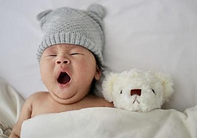生後1か月の赤ちゃんが寝ない!寝る赤ちゃんにするための方法は?│パパママ.com