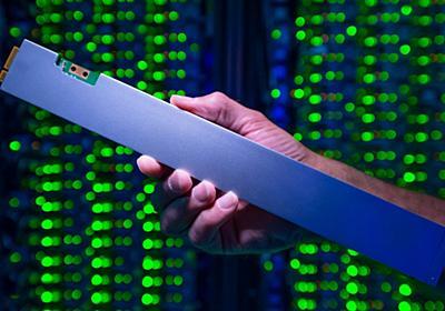 Intel、30cm定規みたいな縦長の32TB SSD  - PC Watch