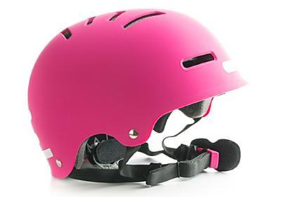 人はヘルメットをかぶっているだけで気が大きくなってしまうことが発覚(ドイツ・カナダ共同研究) : カラパイア