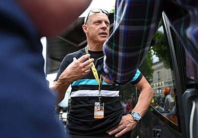 Team Sky chief faces questions over mystery package   VeloNews.com