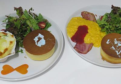 パンケーキに好きな絵がかけるカフェで映える絵をかく :: デイリーポータルZ