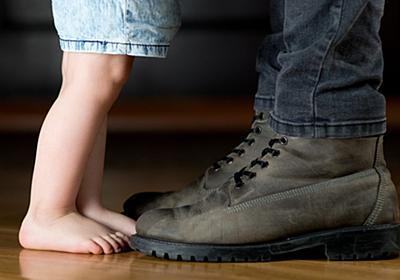 母親の「産後うつ」とも違う、娘0歳時の僕のうつ。父との関係からつくられた、強い父親像 | ハフポスト